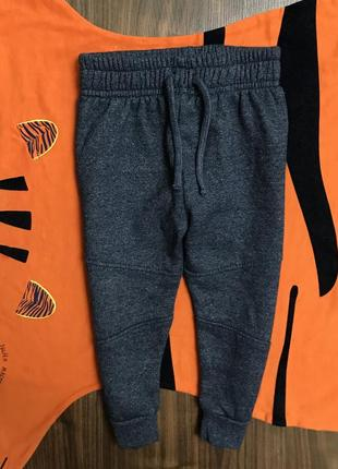 Спортивные штаны на мальчика 18-24 мес, рост 92, состояние новых