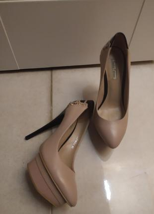 Кожаные туфли nude 39-39.5 sasha fabiani
