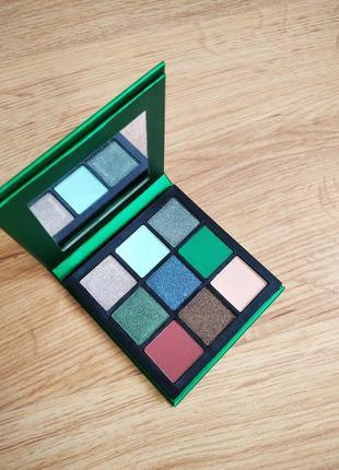 Палетка теней для век emerald obsessions palette