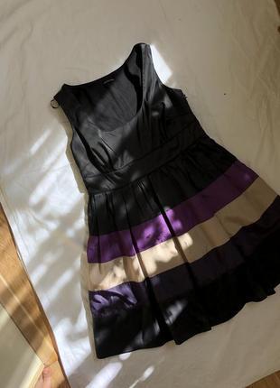 Вечернее чёрное платье с фиолетовыми вставками