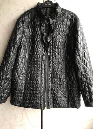 Шикарная легкая курточка. размер 46