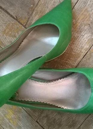 Зеленые туфли 36 р. jennifer taylor