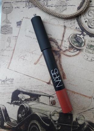 Матовый карандаш для губ nars cosmetics в оттенке dolce vita