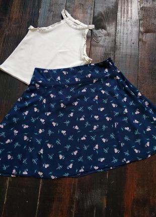 Синяя мини юбка с цветочным принтом