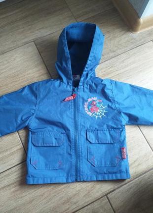 Курточка-дощовик