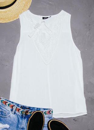 Летняя блузка белая