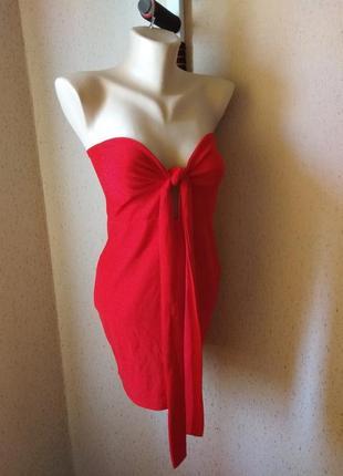 Красное платье с завязкой