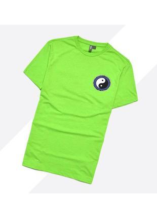 Asos s / ярко зелёная салатная футболка с большим принтом инь-янь