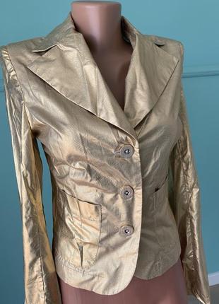 Нарядный пиджак