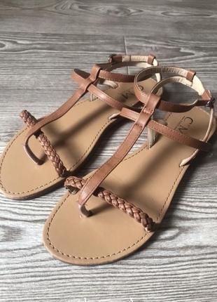 Новые базовые коричневые босоножки сандали на ровном ходу