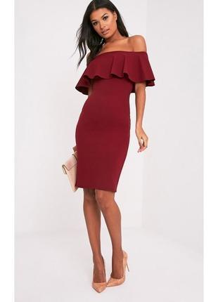 Универсальное бардовое платье с рюшами