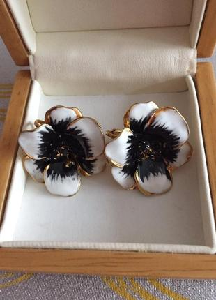 Винтажные серьги клипсы цветы