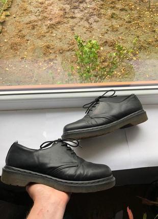 Жіночі шкіряні туфлі туфли dr. martens