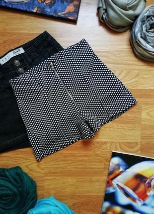Женские подростковые мягкие стрейчевые актуальные шорты charlotte russe - размер 42