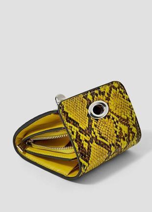Маленький вместительный кошелек змеиный принт stradivarius оригинал