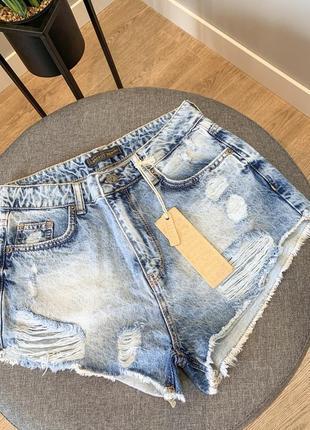 Джинсовые стильные шорты из денима короткие