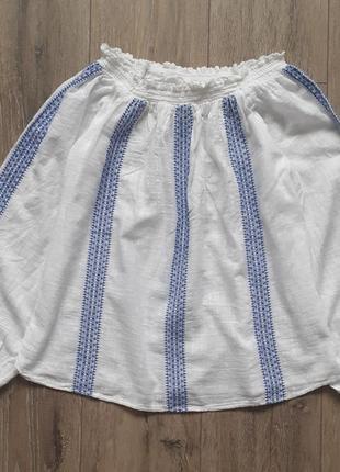Белая женская вишитая блузка рубашка