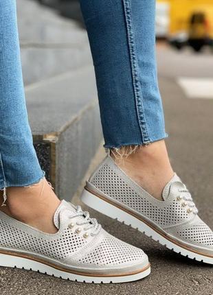 Серебристые туфли лоферы натуральная кожа