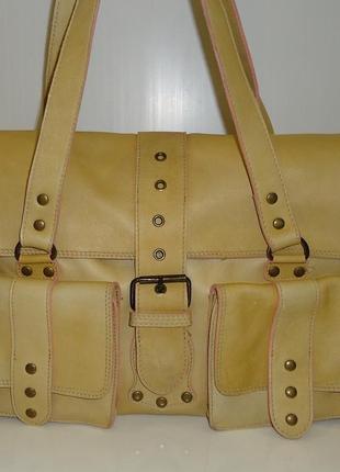 Великолепная сумочка бренда debenhams