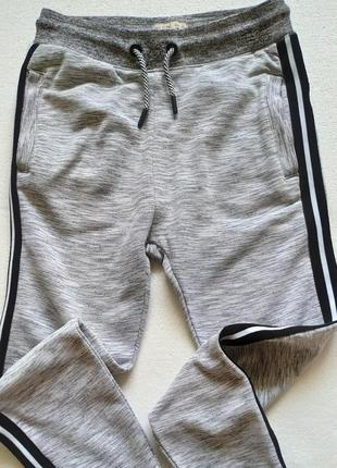 Zara kids спортивные фирменные штаны на девочку 140-150 см