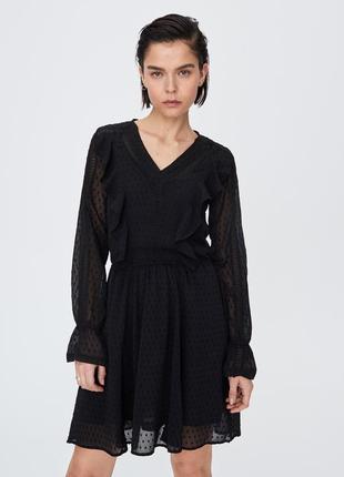 Платье с рюшами черное sinsay