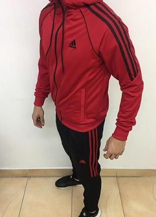 Костюм спортивный