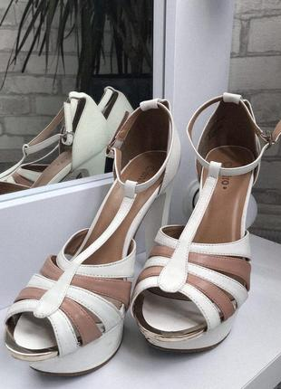 Босоножки белые centro бежевые открытые высокий каблук туфли 38 размер