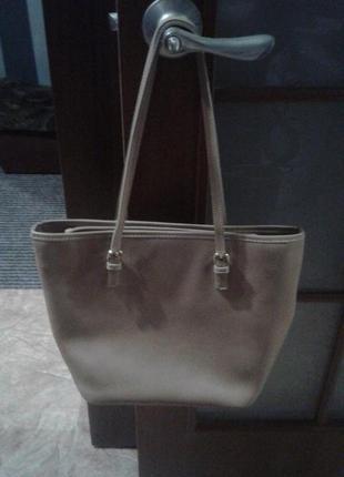 Элегантная бежевая сумка franchetti bond,италия.