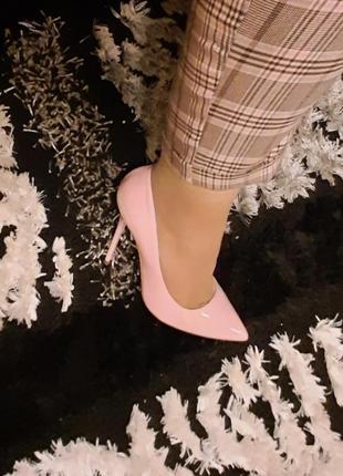 Ніжно рожеві туфельки