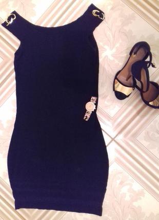 Маленькое черное платье от oysho