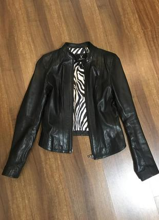 Шкіряна куртка від klaros