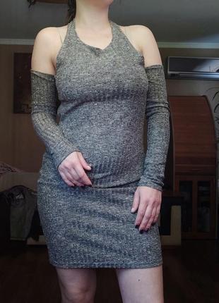 Красивое платье с шикарной спинкой