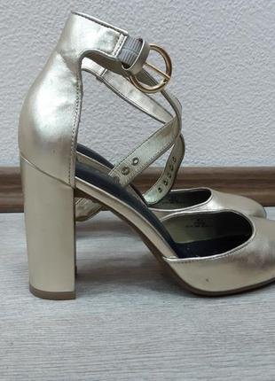 Туфли от m&s 37р.