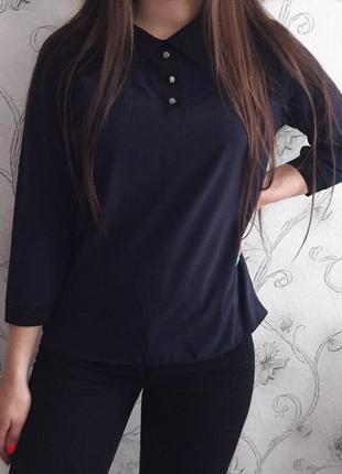 Синяя стильная рубашка с красивым чёрным кружевом