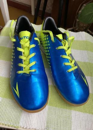 Спортивные кроссовки на подростка dutchy