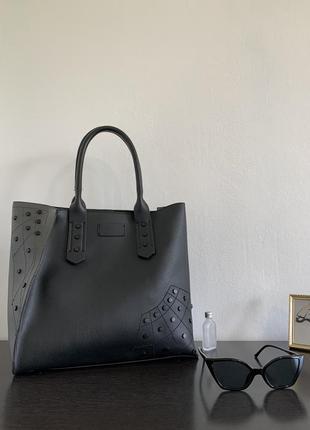 Базовая серо-чёрная сумка-шоппер с заклёпками