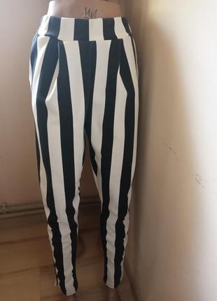 Класнючі брюки boohoo