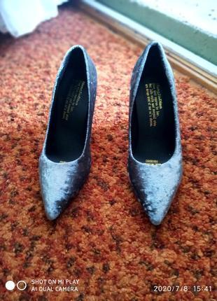 Супер бархатные туфли с красной подошвой