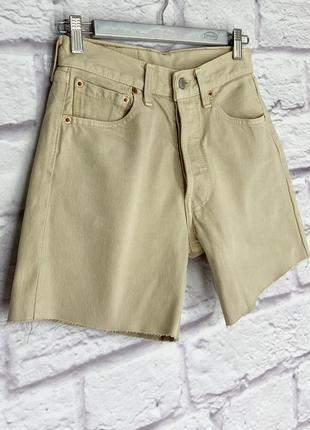 Бежевые шорты levis 501, потный 100% котон