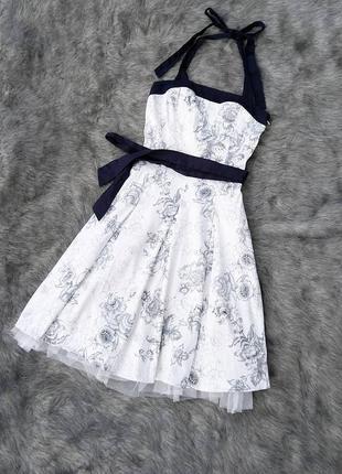 Платье с пышной юбкой из коттона