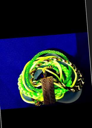 Итальянский браслет на магните,из множества тесёмок и феничек
