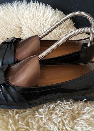 Clarks туфлі лакові
