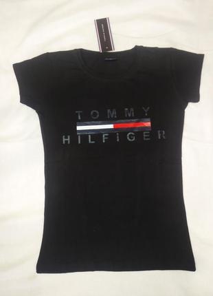 Черная женская футболка tommy hilfiger