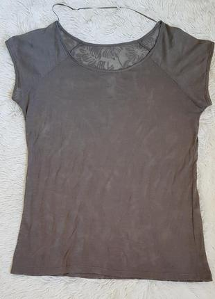 Легкая летняя футболка цвета хаки
