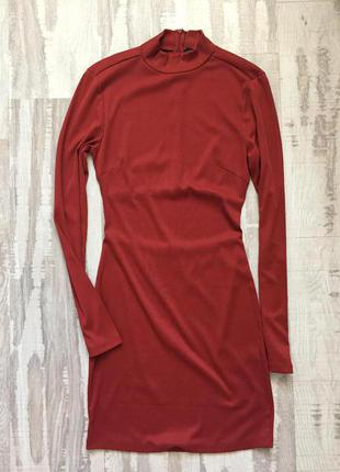 Короткое платье кирпичного цвета