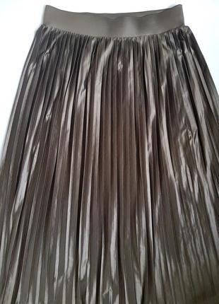 Юбка миди плиссе плиссированная на резинке оливковая под кожу трикотаж tu 10