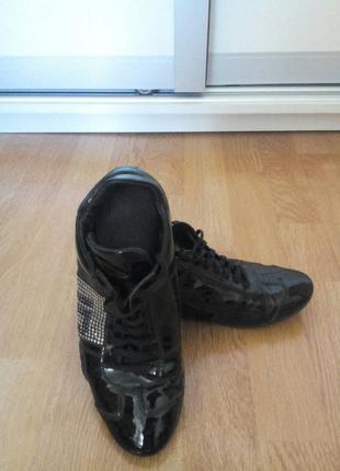 Стильные кроссовочки из натуральной кожи richmond