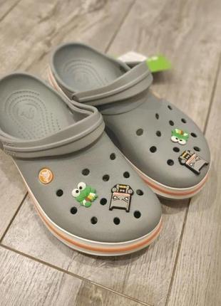 Женские тапочки crocs