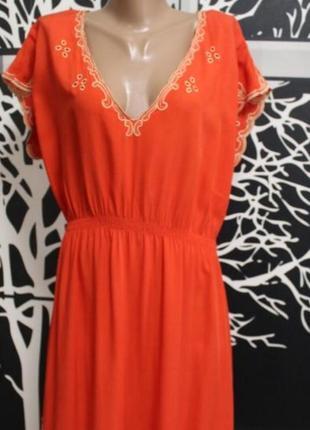 Красивое легенькое платье