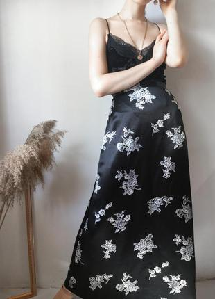 Атласная юбка на высокой талии макси сатиновая в бельевом стиле трендовая миди